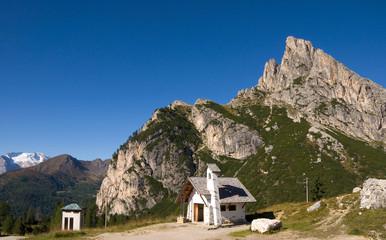 Kapelle am Falzaregopass - Dolomiten - Alpen