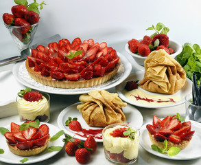 tartes,tartelettes et crêpes aux fraises