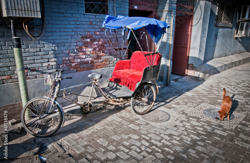 Papiers peints Pékin cycle rickshaw on narrow alley in hutong area in Beijing, China