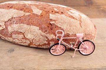 Brot mit Fahrrad