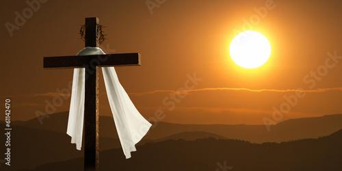 Leinwanddruck Bild Dramatic Lighting Of Mountain Sunrise With Easter Cross