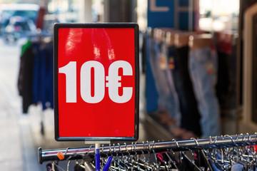 10 Euro Schild