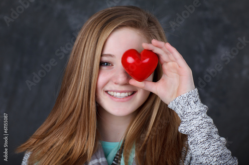 canvas print picture girl with heart