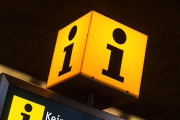 beleuchtetes Informationszeichen