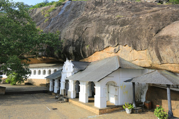 Buddha Rock temple in Dambulla