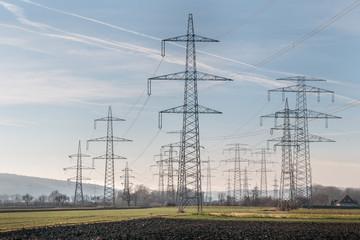 Überland Stromleitungen - Stromautobahn