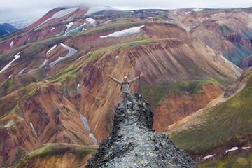 Islanda alpinista in vetta