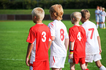 Vier junge Fußballer