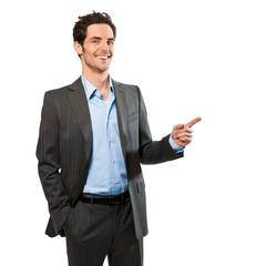 Geschäftsmann zeigt auf Textfreiraum