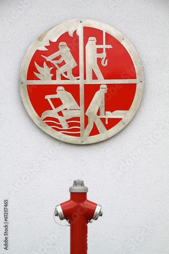 Feuerwehrsymbol an der Feuerwache in Alverdissen