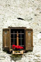 finestra sulla montagna
