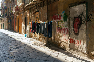 Hanging clothes, Palermo