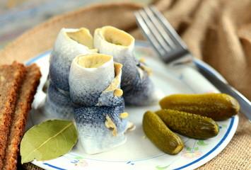 Katerfrühstück mit Rollmops und Gurken