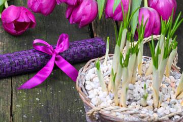 Tischschmuck im Frühling