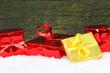 Geschenke in rot und gold
