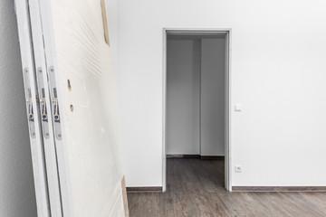 neue Holztür  © Matthias Buehner