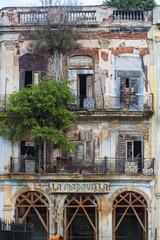 edificio deteriorado