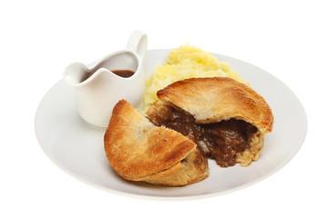 Meat pie and gravy