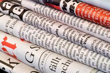 Zeitungen, Presse, Journalismus, Medien, Print, Altpapier