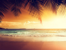 Sonnenuntergang am Strand von caribbean sea