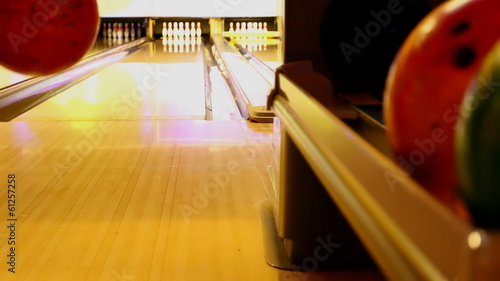 Ten pin bowling ball strike