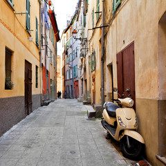 The streets of old Nice.