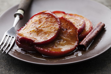 caramelised cinnamon apples