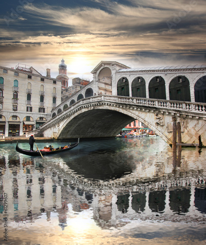 Obraz na Szkle Venice with Rialto bridge in Italy