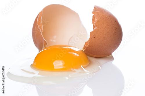 Foto op Canvas Egg Cracked egg