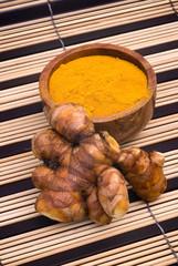 Turmeric root (Curcuma longa)