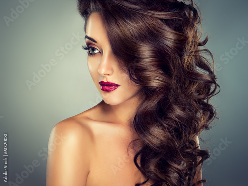 Model with beautiful curly  hair Plakat