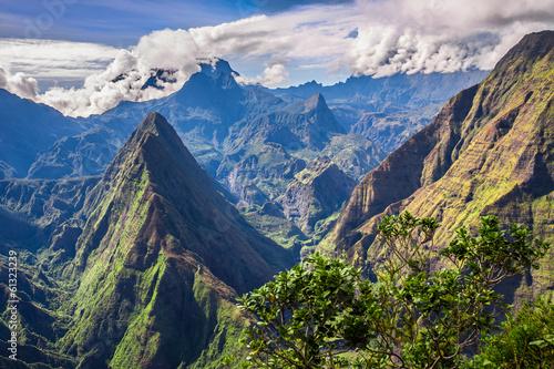 Fotobehang Vulkaan Clouds covering Cirque de Mafate, La Réunion