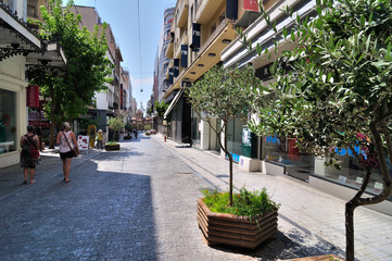 """Ermou Street (Greek: Ïäüò Åñìïý, Odos Ermou, """"Hermes Street""""), i"""