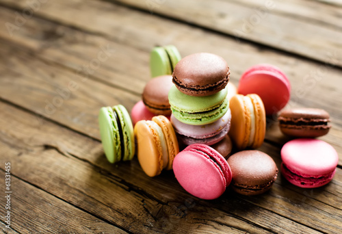 Papiers peints Macarons traditional french colorful macarons
