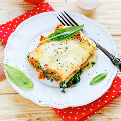 lasagna with spinach and mushroom stuffing