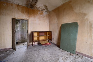 old abandoned living room