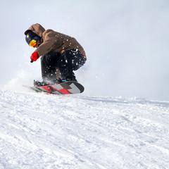 discesa con snowboard