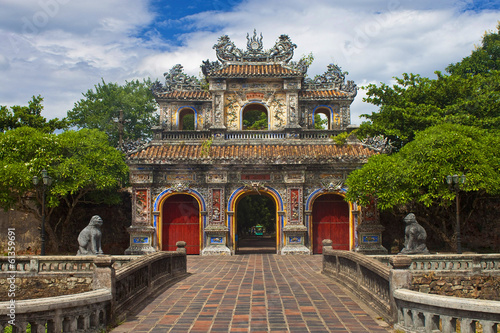 Papiers peints Fortification Gate to a Citadel in Hue, Vietnam.