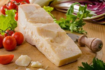 Formaggio Parmigiano e verdure