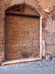 L'ingresso murato