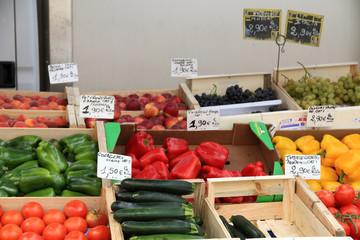 Frutta e verdura in vendita al mercato di Marsiglia