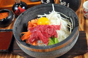 Stone pot beef rice