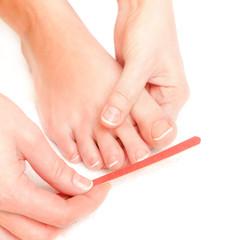 Soin des pieds (se limer les ongles)