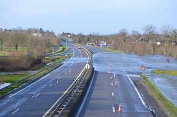 autoroute inondée