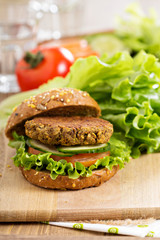 Vegan burgers with lentils and pistashios