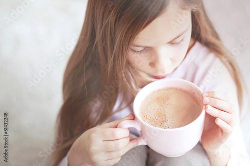 Child drinking cocoa - 61432248