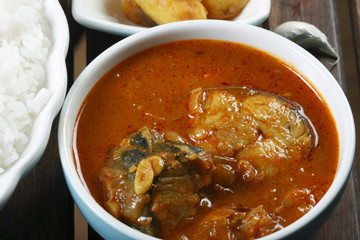 Fish Varuthuracha curry - Kerala Style fish curry