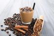 caffe e latte con ghiaccio