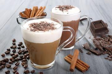 latte macchiato e cioccolato
