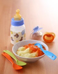 Baby food: potato with carrot